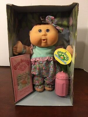 2006 Cabbage Patch Kids -newborns Melany Reanna-February 19th  Used