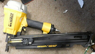 DEWALT DW325PL 3-1/4 Inch 21 Degree Plastic Collated Framing Nailer AIR NAILER