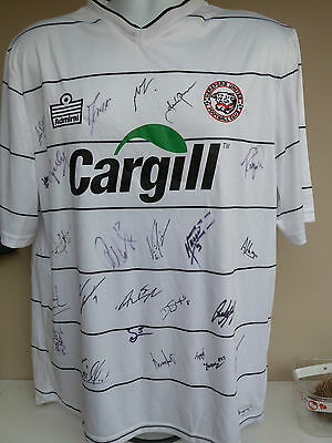 HEREFORD UNITED SIGNED SHIRT-2010-11 SEASON -SIGNED BY 24 OF THE 1st TEAM + COA