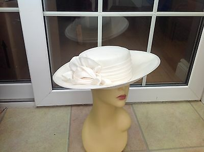 Ladies Vintage Cream Hat Weddings/races/special Occ's New With Tags By Revel