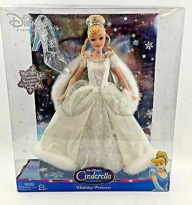 Disney Cinderella Holiday Princess With Ornament Sp. Ed. 1996.
