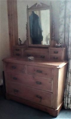 Bedroom Furniture - Dressing Table with Mirror
