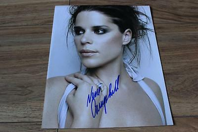 NEVE CAMPBELL ORIGINAL SIGNED 10x8 PICTURE. SCREAM. PARTY OF FIVE HOUSE OF CARDS