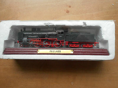Atlas Edition Train 3 904 006 on label. P8 CLASS on wooden plinth