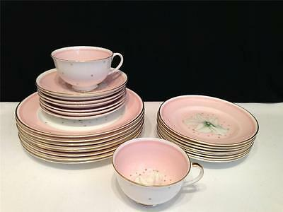 Ch2890 Susie Cooper 26 Pc Lot Clematis Bread & Butter + Salad Plate +++