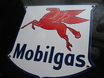 MOBILGAS  Gas Oil Pump Porcelain Metal sign