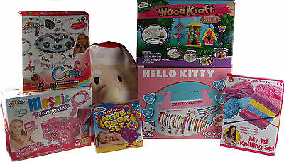 Older Girls 6 Piece Christmas Gift Set In Sack- With Kitty Friendship Band Loom