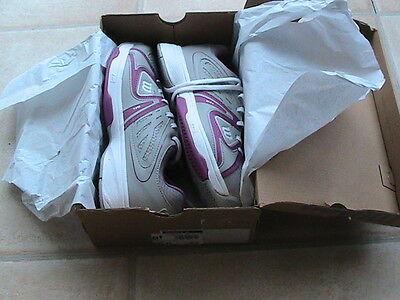 Ladies wilson tennis shoes size 6.5 BNIB