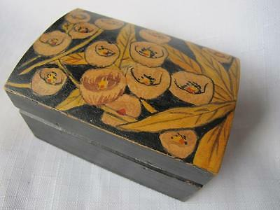 Retro Hand Painted Australian Wooden Trinket Box w. Gumnut & Leaf Pattern