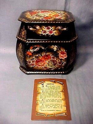Beautiful Vintage Russian Hand Painted 2 Tiered Lacquer Box Signed