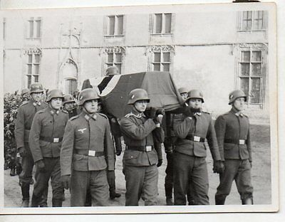 Original WW2 GERMAN PHOTOGRAPH-DECEASED SOLDIERS FUNERAL PROCESSION