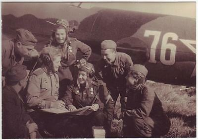 Ussr Wwii Press Photo: Smiling Russian Air Forces Male And Female Pilots