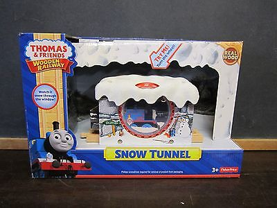 Thomas the Train Wooden Railway Moves NEW Sodor Snow Tunnel Winter Ice Christmas