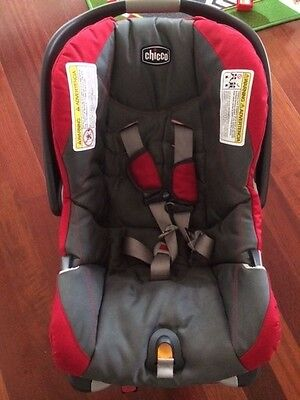 Chicco KeyFit 30 Infant Car Seat & Base Red/Gray Expiration July 2021