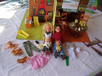 Vintage 1974 Mattel The Sunshine Family House, Dolls & Accessories