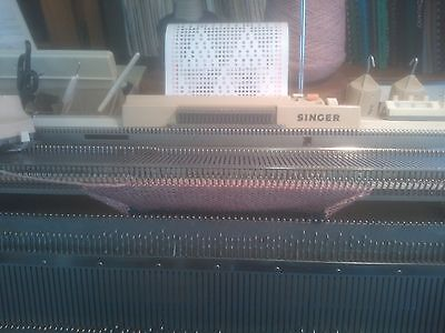 Singer 324 Knitting Machine & Ribber