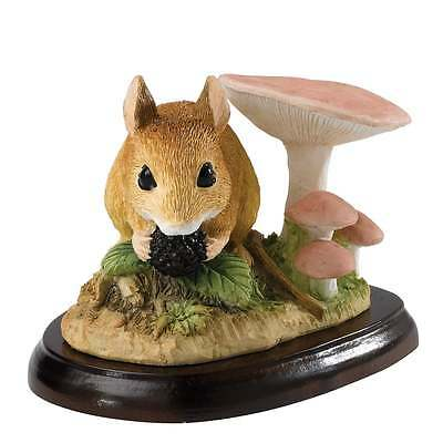 Border Fine Arts Field Mouse With Berry Figurine New Boxed A27055