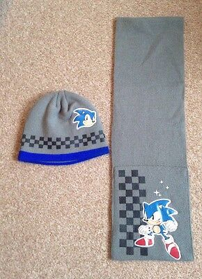 Sonic the Hedgehog ~ Boys beanie hat and scarf set ~ Age 4-8 years