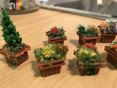 00 Guage flower tubs for model railway scenery (set of 3)