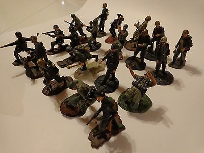 German 20 Mixed Lot Of 1/32 Scale Forces Of Valor and 21St Century Toys Figures