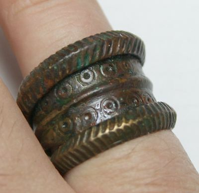 Viking Twisted bronze finger ring GREAT CONDITION really amazing finger ring
