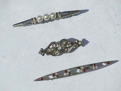 3 Vintage 1970s Costume Jewellery Bar Brooches (3)