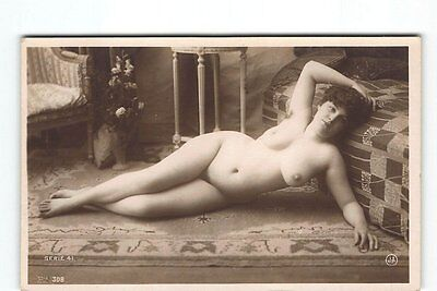 Full Front Sexy Curvey Nude Woman Erotic Photo Postcard in French Studio RPPC