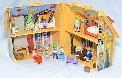 Playmobil Take Along House 2005, figures and accessories