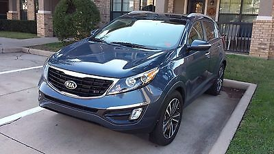 2016 Kia Sportage SX 2016 Blue KIA Sportage SX Turbo All Options In Excellent Condition
