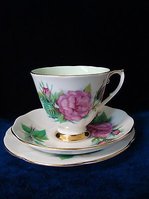 "A VINTAGE ROSLYN CHINA 'WHEATCROFT ROSES' ""No 5 PRELUDE"" TRIO. No 3"