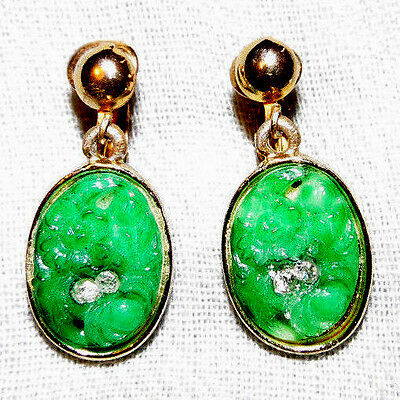 Vintage Gold Tone Green Carved Clip On Earrings