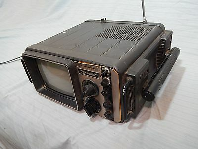 Vintage 1979 Panasonic Portable TV FM AM Radio TR-717R