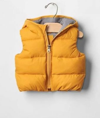 NWT GAP Baby Toddler Boy/Girl 6-12 Months Yellow Warmest Quilted Hoodie Vest