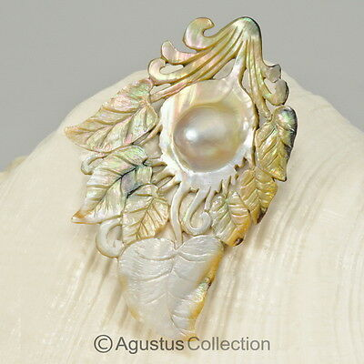 MABE Blister PEARL in SHELL Lustrous Rainbow Iridescent Carving Sumbawa 12.14 g