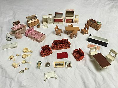 Bundle Of Vintage Doll's House Furniture