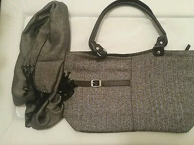 Tweed look bag and scarf set