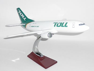 Boeing 737-300 Toll Group Logistics Corporate Collectors Model Scale 1:100 J
