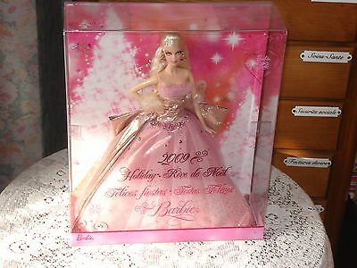 Poupee Barbie Collection Happy Holidays  Annee 2009 Tbeg