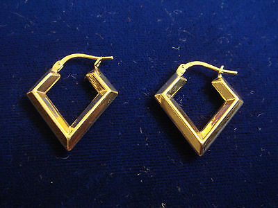 18k yellow gold triangle geometric earrings 1.9 grams
