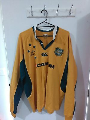 Wallabies Jersey Size L includes bonus beanie and scarf