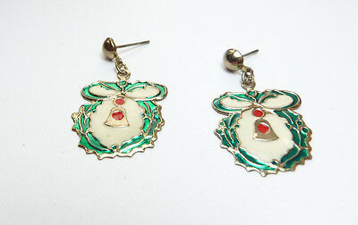 Vintage gold tone metal red white enamel Christmas wreath pierced earrings