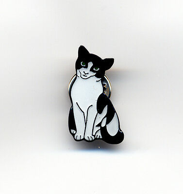 Black And White Cat  Enamel Pin Badge New