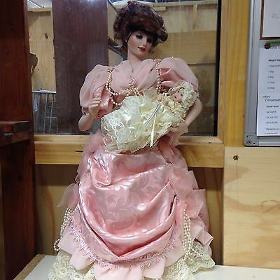Franklin Heirloom Dolls - The Gibson Girl, Mother and Child Porcelain Doll