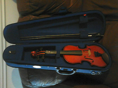 Stentor Violin, 1/2 size. Very good condition all over.