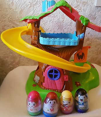 Playskool Weebles Treehouse Playhouse, Musical Toy with 4 Weeble Figures