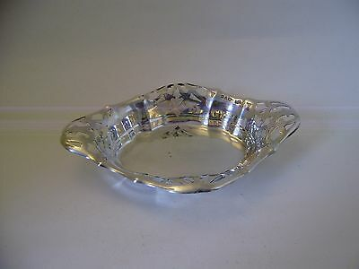 Silver vintage Chester 1921-22 Solid oval pierced Shaped Bonbon dish (N1)