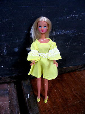 Palitoy Pippa Doll Dancing BRITT with original outfit, Vintage 1970s, rare,