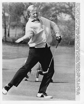 Vintage Golf Photograph Jack Nicklaus Putting To Win Kaiser Open Napa 1969