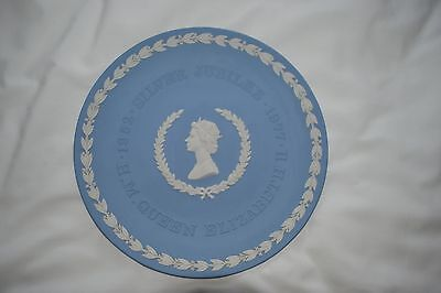 Wedgwood Plate, HM Queen Silver Jubilee