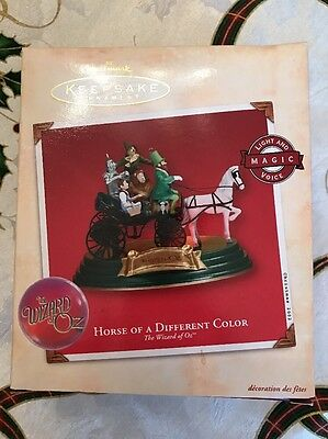 Hallmark Keepsake Wizard Of Oz Horse Of A Different Color Ornament 2002